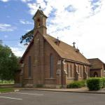 st_thomas_church_and_hall011m.jpg
